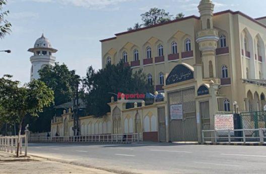 ईदमा सुनसान मस्जिद